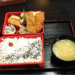 カツ弁当( そばの三福 緑園店 )