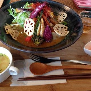 季節の野菜カレーランチ(カフェ アジャーラー (cafe ajara))