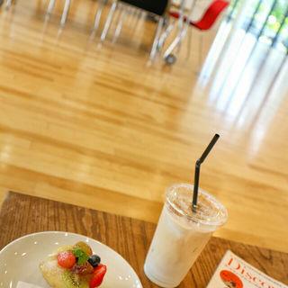アイスカフェラテ(カフェ モーツァルト メトロ (cafe mozart Metro))