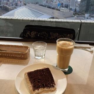 シフォンケーキセット(カフェ・ド・サリュー )