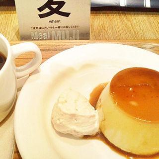 焼きプリンセット(カフェ&ミール ムジ 新宿 (Cafe&Meal MUJI))