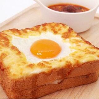 目玉焼きトースト&肉団子のスープ(レストランエリア THE MOON )