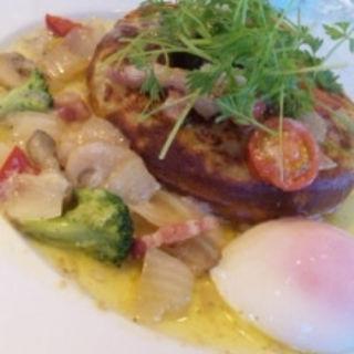 彩り野菜とベーコン、半熟たまごのポテトパンケーキ(カフェナチュレ )