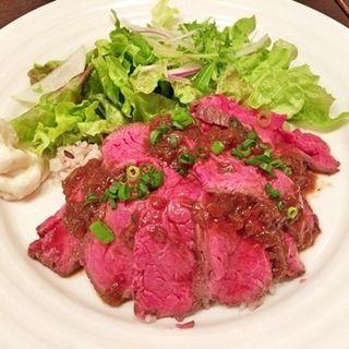 こだわり黒毛和牛のローストビーフご飯(カフェマリオシフォン)