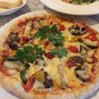 ピッツァランチ(サラダ付)(カフェレストラン ヴィーニュ )