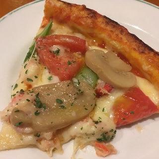 紅ズワイガニのピザ