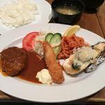 国産牛ハンバーグ&海老フライ&牡蠣グラタンランチ