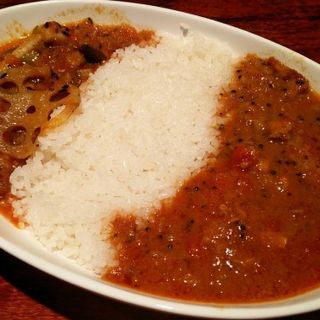 2種の合盛りカリー(鶏もも肉の南インドカリー・野菜のカリー) (カリーバカサンキュー (咖喱ばか三級))
