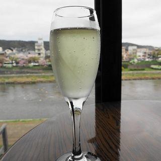 スパークリングワイン(カワカフェ (kawa cafe))