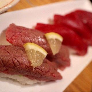 握り寿司モモ(がんばれニッポン馬肉道場 馬喰ろう 神田店 (ばくろう))