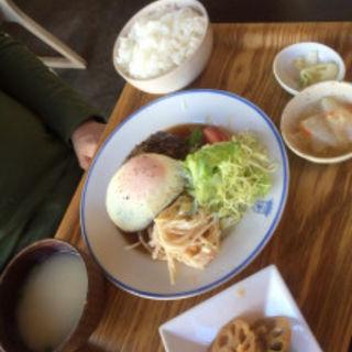 和風煮込みハンバーグ定食(キッチングリーン (kitchen green))