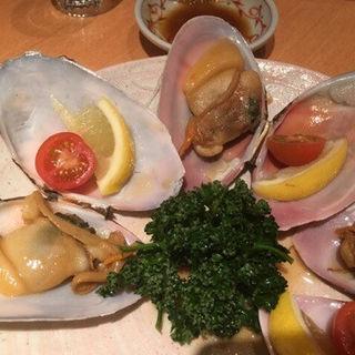 万 寿 貝 の 醤 油 バ タ ー 焼 き -能登千里浜-(きときと 赤坂本店 )