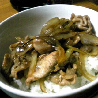 ミニ豚丼(醤油ラーメンセット)(きらく )