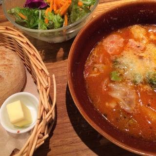 ごろごろ野菜のミールスープ サラダ付き(クックコープカフェ 新宿マルイ店 (COOK COOP CAFE))