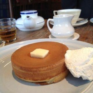 ホットケーキ とムレスナ特製ティーソース(クニタチ ティーハウス (Kunitachi Tea House))