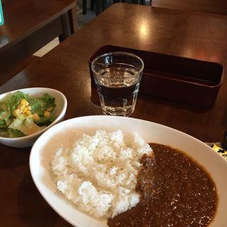 ■特製カレー(サラダ付)(グリーンピット (Green Pit))