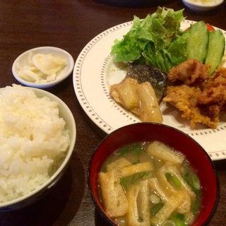 チキン唐あげ&さば味噌煮(ぐりる池田 )