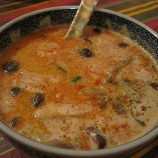 トム ヤン クン (エビのスープ)(クルアタイ )