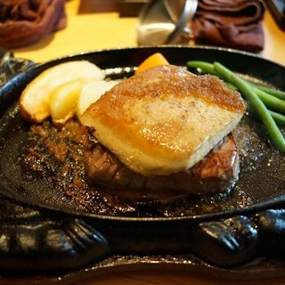 フォアグラのせステーキ(クローバー ボヌール (Cafe&Restaurant Clover ボヌール))