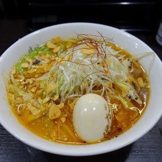 にんにく味噌ラーメン+煮玉子入り(けやき すすきの本店)