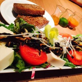 有機豆腐とヒジキの和風サラディエール(コウソカフェ ビオライズ (KO-SO CAFE BIORISE))