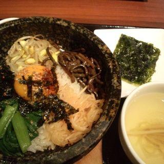 石焼ビビンパ(コサリ ニューコリアン テーブル トウキョウ (COSARI NEW KOREAN TABLE TOKYO))