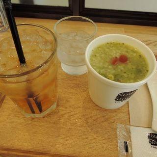 朝のお粥セット(トマトと鶏肉のバジル粥)(スープストックトーキョー CIAL桜木町店)