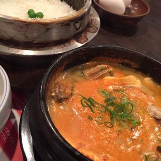 牡蠣スンドゥブチゲ(スントゥブ オッキー 箕面店 (OKKII))