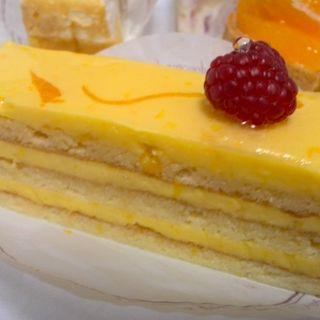 デコポンのバタークリームケーキ(ソワメーム )