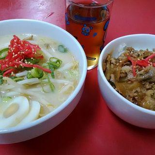 豚骨ラーメンとスタミナ丼(小)とのセット(ターワン )