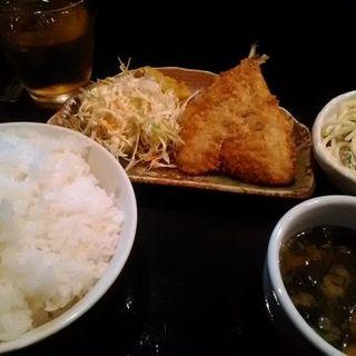あじフライ定食(ご飯大盛り)(ダイニングキッチンizAyoi)