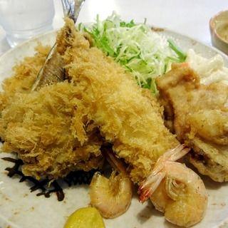 とある揚魚から揚げetc定食(たまや食堂)