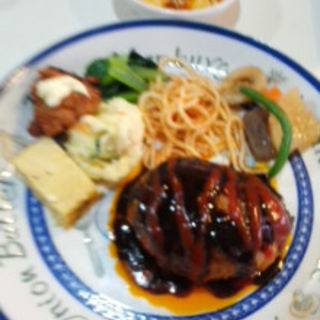 ハンバーグ定食(ダンラン亭 )