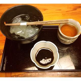 葛きり 黒みつ 吉野産本葛粉 (加賀棒茶付き)(つぼみ )