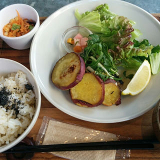 魚の塩麹焼き定食