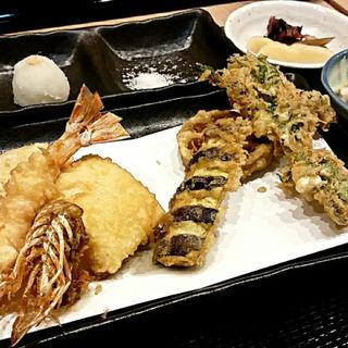 7種類の天ぷら定食(てんぷら祥天 )