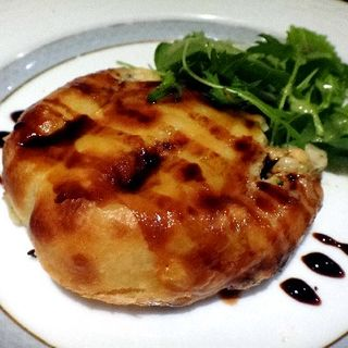 オーブン料理の一番人気『 クリーミーチキンのミートパイ 』(ド・マーレ湘南 川崎店 )