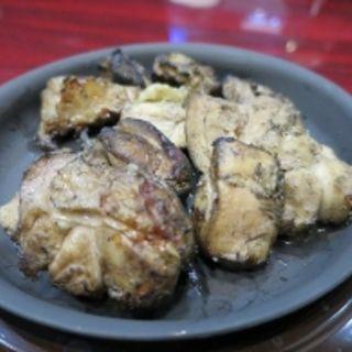 鶏モモ肉の炭火焼き