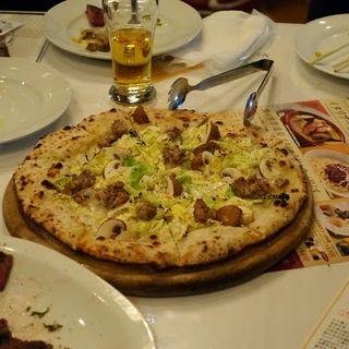 ちりめんキャベツとマッシュルームのピッツァ(トスカーナ 神谷町店 (Italian//BarR TOSCANA))