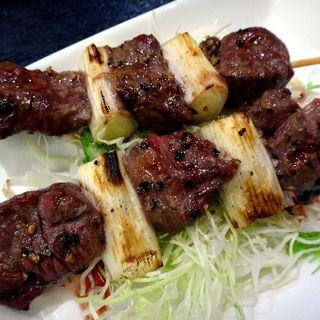 牛ハラミ串焼(とも栄鮨)