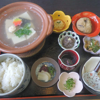 湯豆腐定食(とようけ茶屋 (とようけちゃや))