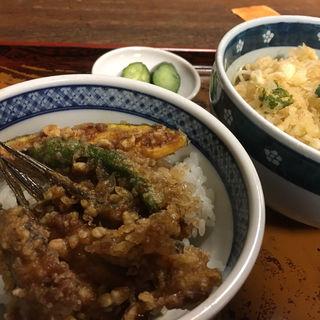 ミニ丼セット(めごち天丼  冷やしたぬき)(泰明庵)