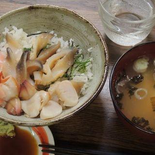 ホッキ丼(とりあえず逢海)