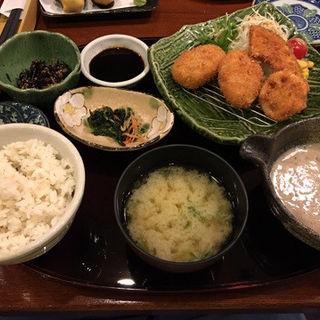 山芋コロッケ定食(とろろや 名古屋ラシック店 )