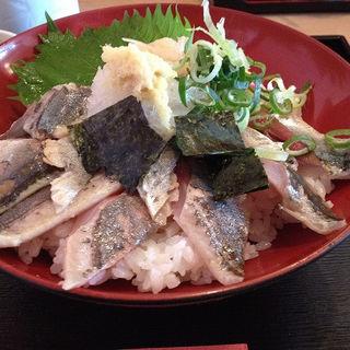 炙り秋刀魚丼(どんと屋 )