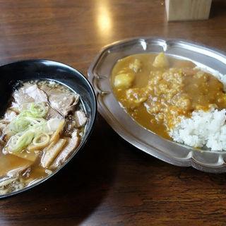チキンカレーとラーメンのセット(カレー屋けんちゃん )