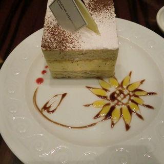 バタークリームのケーキ(ザ・ラウンジ (THE LOUNGE))