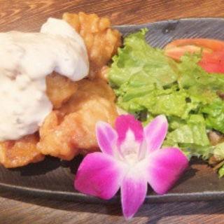 鹿児島赤地鶏のチキン南蛮(さつま黒宝庵 八重洲本店)