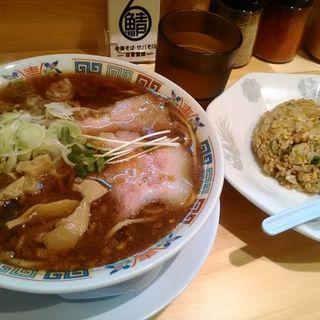 サバ醤油そばと半チャーハンのセット(サバ6製麺所)