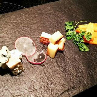 チーズ盛合せ(しこたま。 (shikotama))